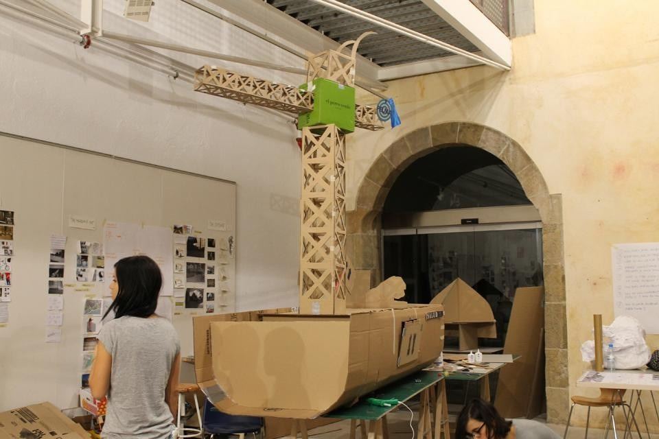 Model of the floating mobile museum, the collective final project of the laboratory.