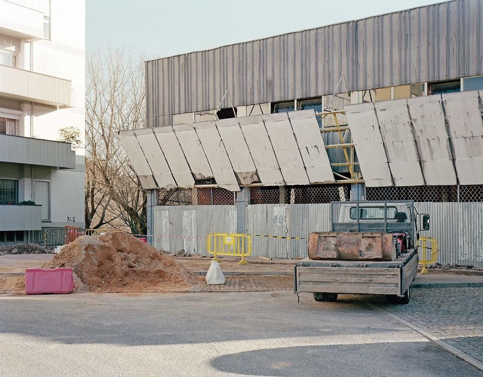 The Unicoope Domus supermarket in Porto, a little known work by Álvaro Siza of 1972, awaits final demolition