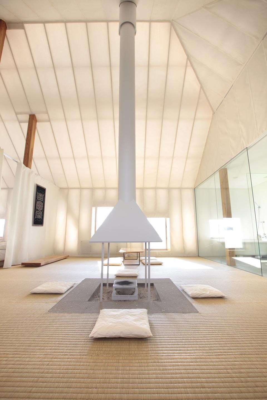 Meme meadows experimental house for Architecture japonaise