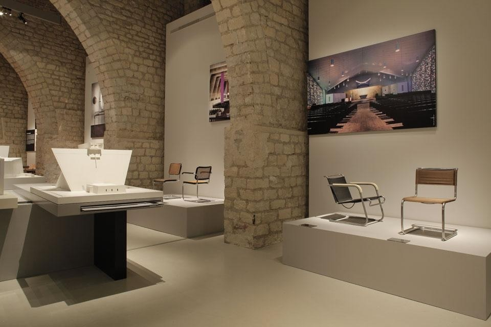 <em>Marcel Breuer (1902-1981): Design & Architecture</em>, installation view at Cité de l'architecture & du patrimoine, Paris. Photo © CAPA/Gaston Bergeret, 2013