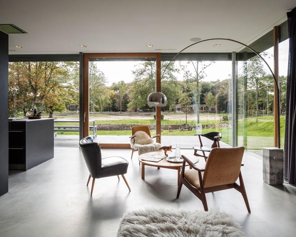 Paul de Ruiter: Villa V - Domus