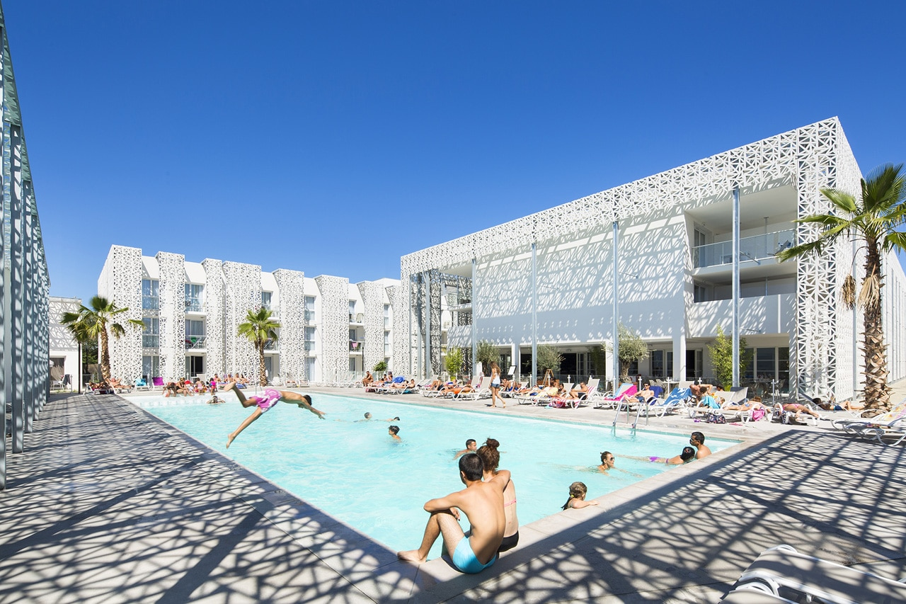 Nak ra residential hotel for Pool design france