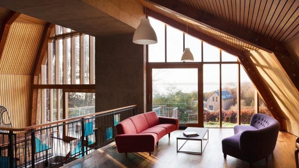 the houseboat domus. Black Bedroom Furniture Sets. Home Design Ideas