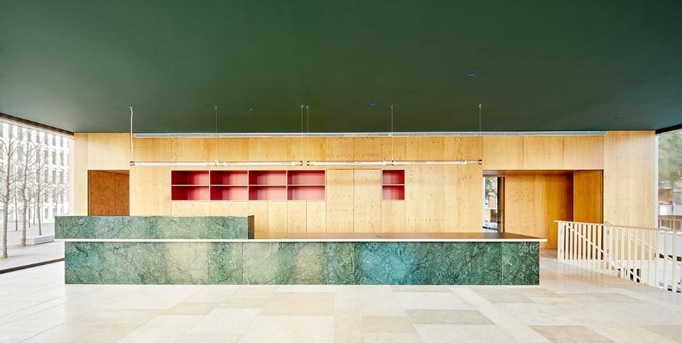 Barcelona Jorge Vidal Designs A Sensual Space In The Ciutat De La