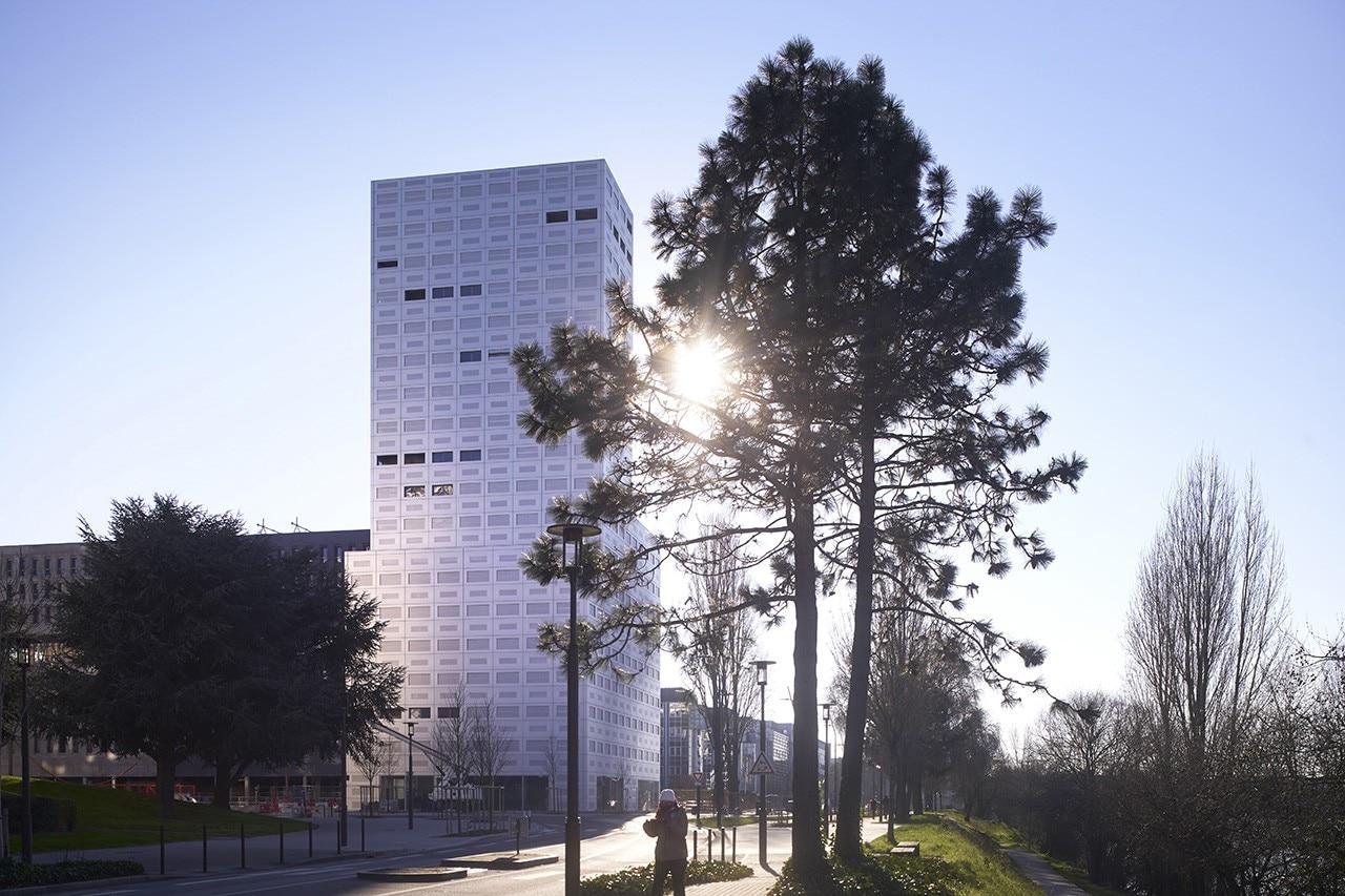 Nantes lan completa 360 view una torre diafana di 18 for Piani di casa torre