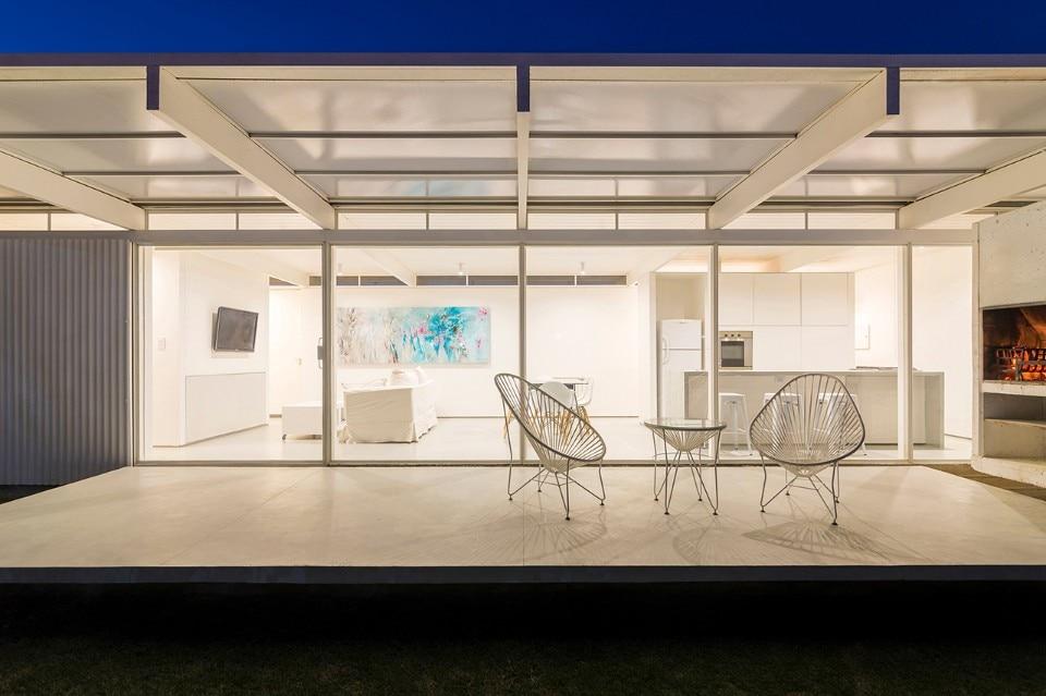 bah a blanca una casa essenziale di 70 mq costruita con