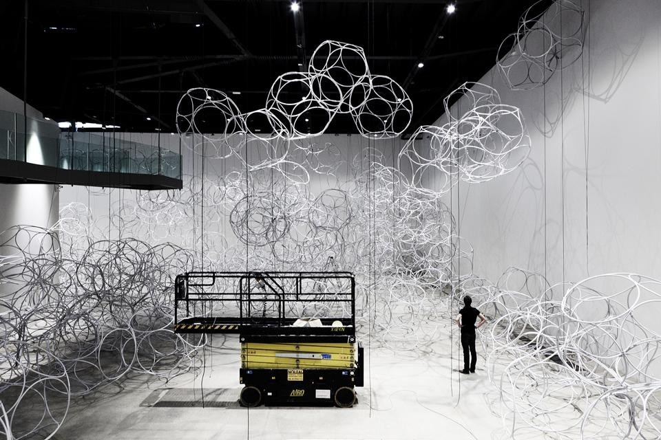 Tomás Saraceno, <i>Cloudy Dunes. When Friedman Meets Bucky on Air-Port-City</i>. Special project for MACRO, 2011. Work in progress. Collezione Fondazione Edoardo Garrone, Genova. Courtesy Tomás Saraceno and Pinksummer, Genova