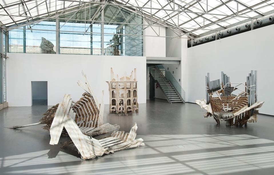 Diana Al-Hadid, <i>Play the Wolf Fifth.</i> Photo courtesy of La Conservera.