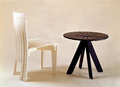 Garden table and garden chair. Photo Maija Holma/Alvar Aalto Museum