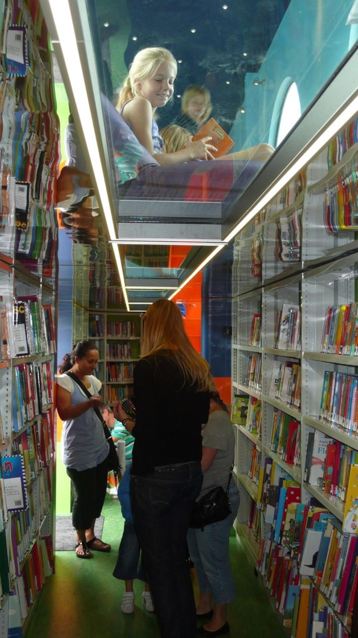 The book mobile is always placed near primary schools and the schools collaborate with the library service.
