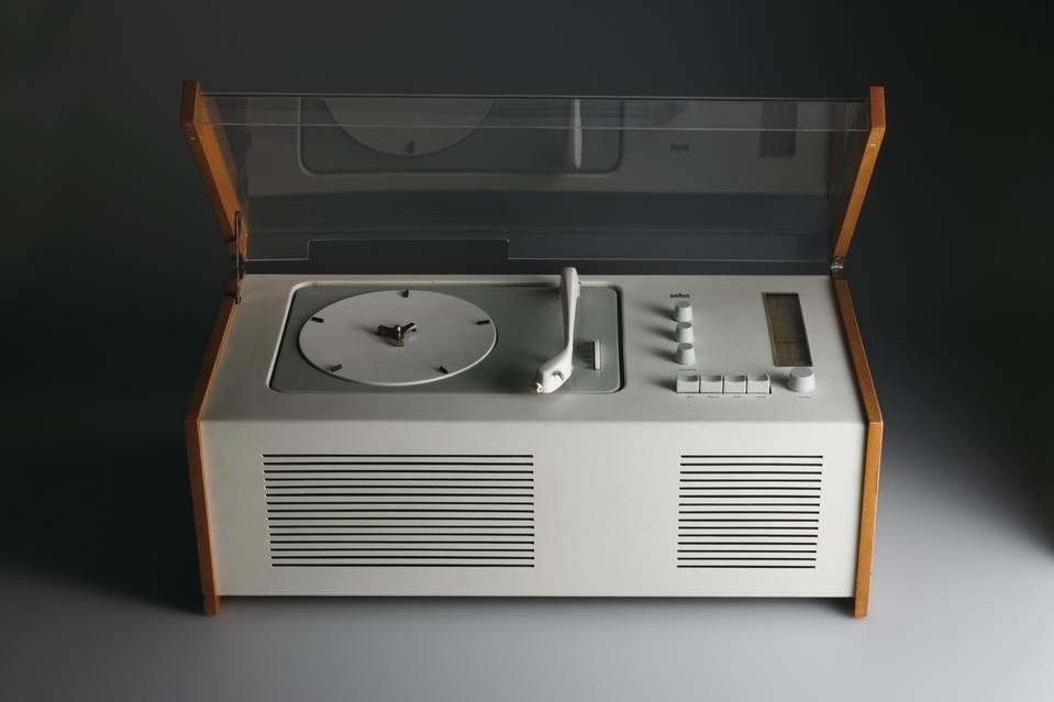 dieter rams making systems and making sense domus. Black Bedroom Furniture Sets. Home Design Ideas