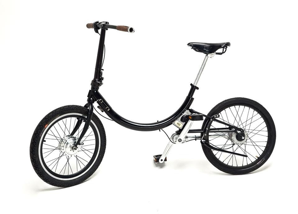 Gabriel Wartofsky, <em>Folding electric bike for commuters</em>, A compact and light folding electric bike, this project