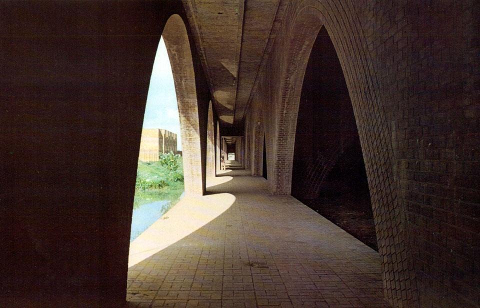Louis Kahn In Dacca