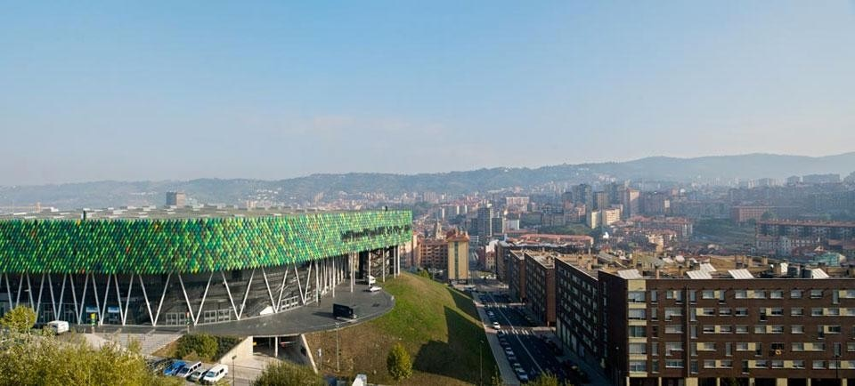 "Bilbao Arena by ACXT. Photo <a href=""http://www.inigobujedo.com "" target=""_blanK"">Iñigo Bujedo Aguirre</a>"