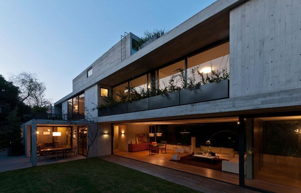 Fernanda Canales, <em>Maruma House</em>, Mexico City. Photo by Luis Gordoa