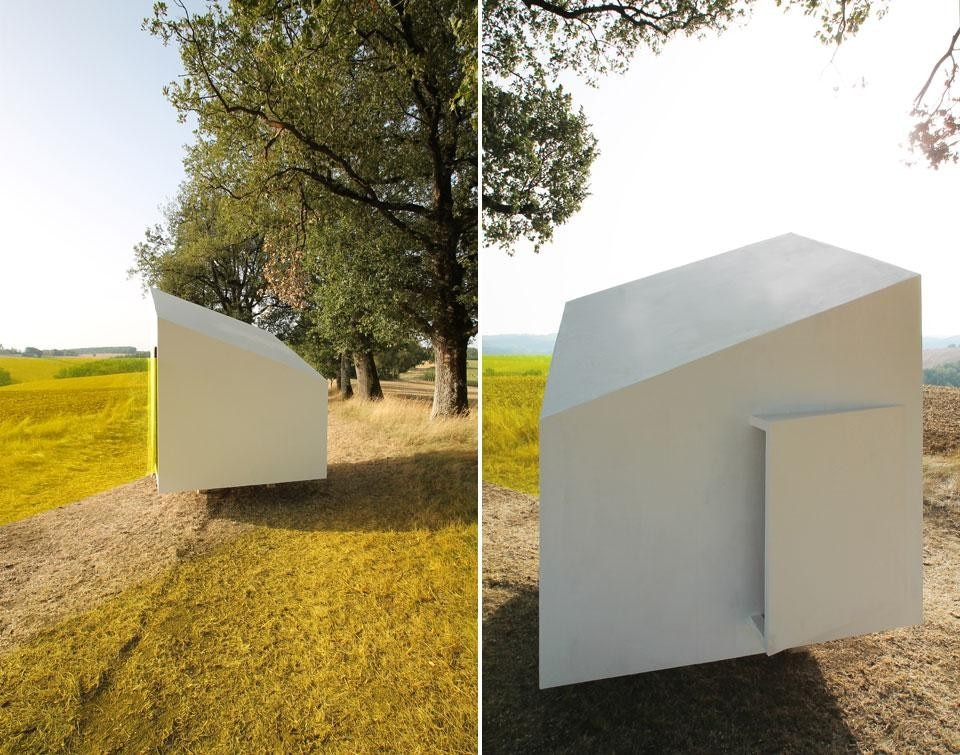Gillot + Givry, <em>CO.LABOR.LAB mobile art gallery</em>, Barran, Gers, France 2012