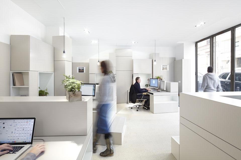 hypernuit offices domus. Black Bedroom Furniture Sets. Home Design Ideas