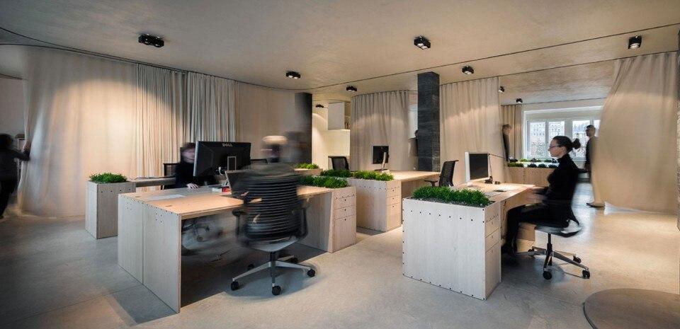 Un Curtain Office Domus