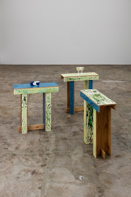 ColoRIng shrine table - Domus