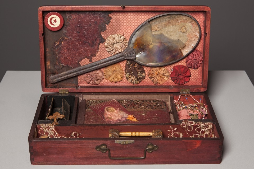 Betye Sarr, Record for Hattie, 1975, various objects and mixed media assemblage. Courtesy Scottsdale Museum of Art, photo Tim Lanterman