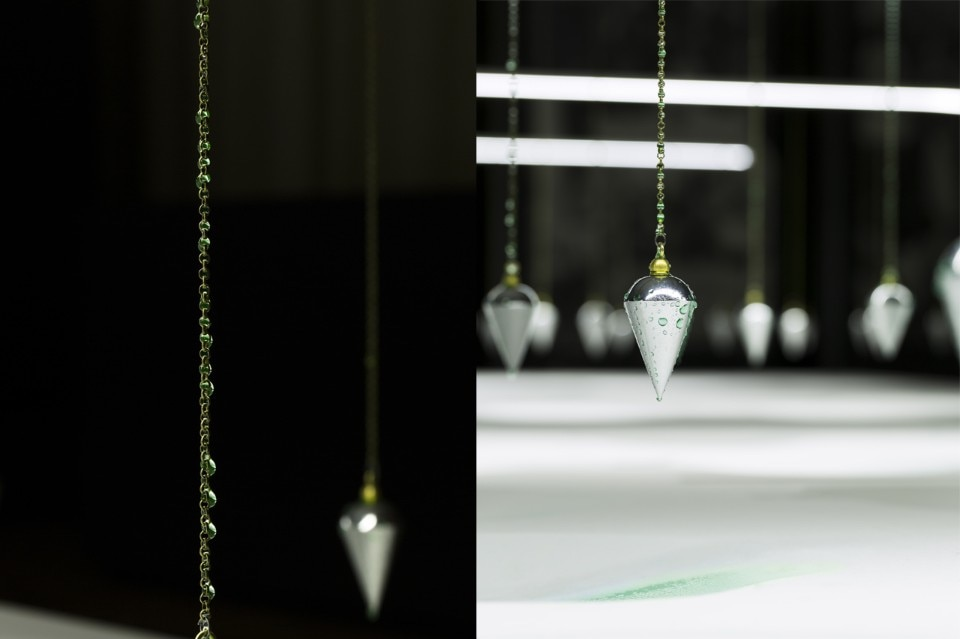 Droplet pendulum for Bureau de change morlaix