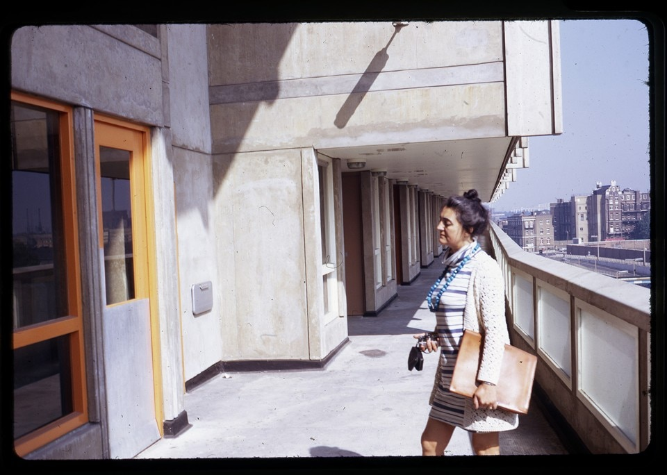 Deck of Robin Hood Gardens with Alison Smithson, photographed by Peter Smithson, about 1970. Courtesy of the Smithson Family Collection