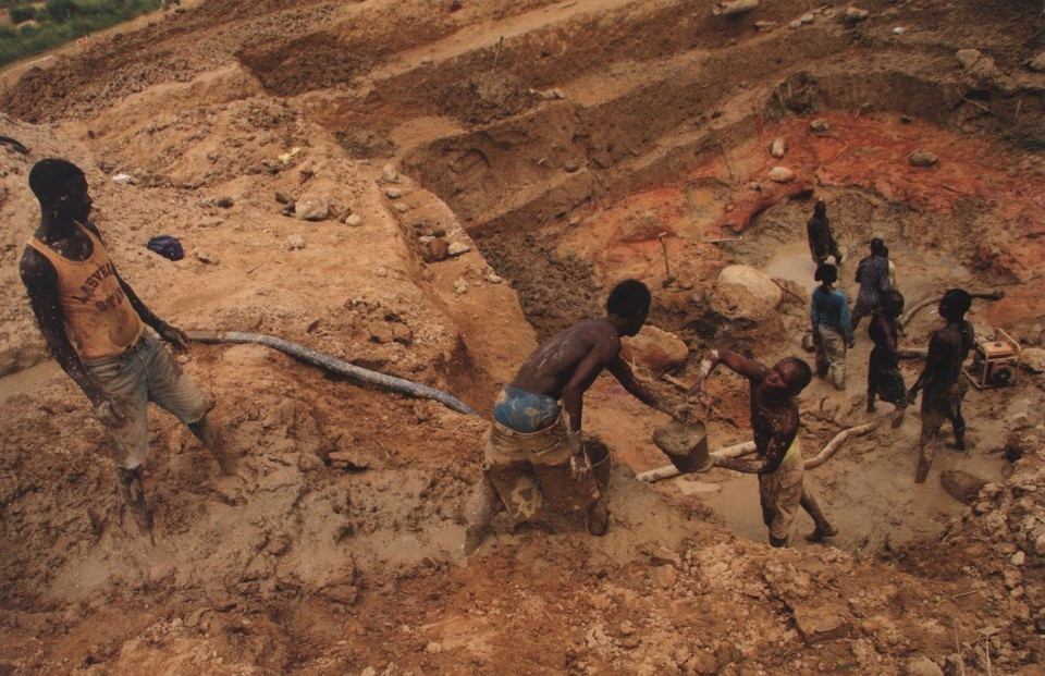Diamond mine in Sierra Leone published on the Intersections on human rights