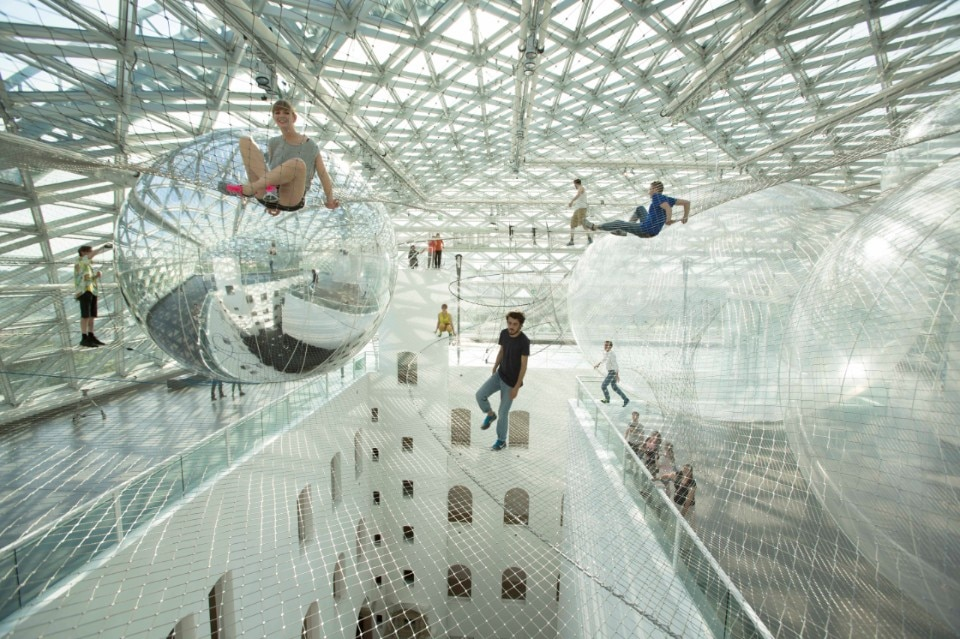 Tomás Saraceno: in orbit