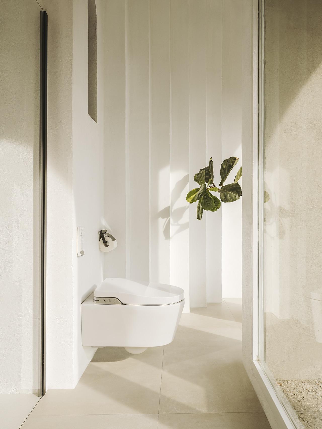 L Igiene Totale In Bagno Con Il Nuovo Smart Wc Di Roca Domus