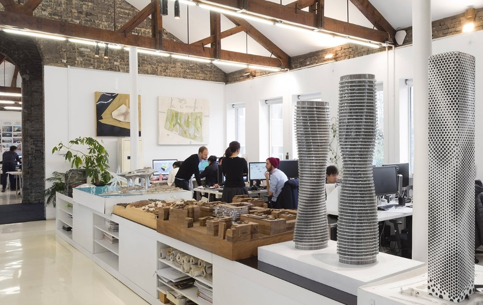 Lavoro Architetto Ufficio Tecnico : Marc goodwin ritrae i luoghi di lavoro degli architetti in cina