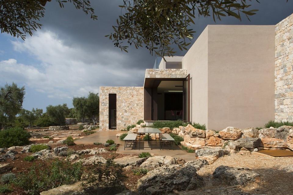 Spano architettura in puglia villa camilla riprende for Colore esterno casa al mare
