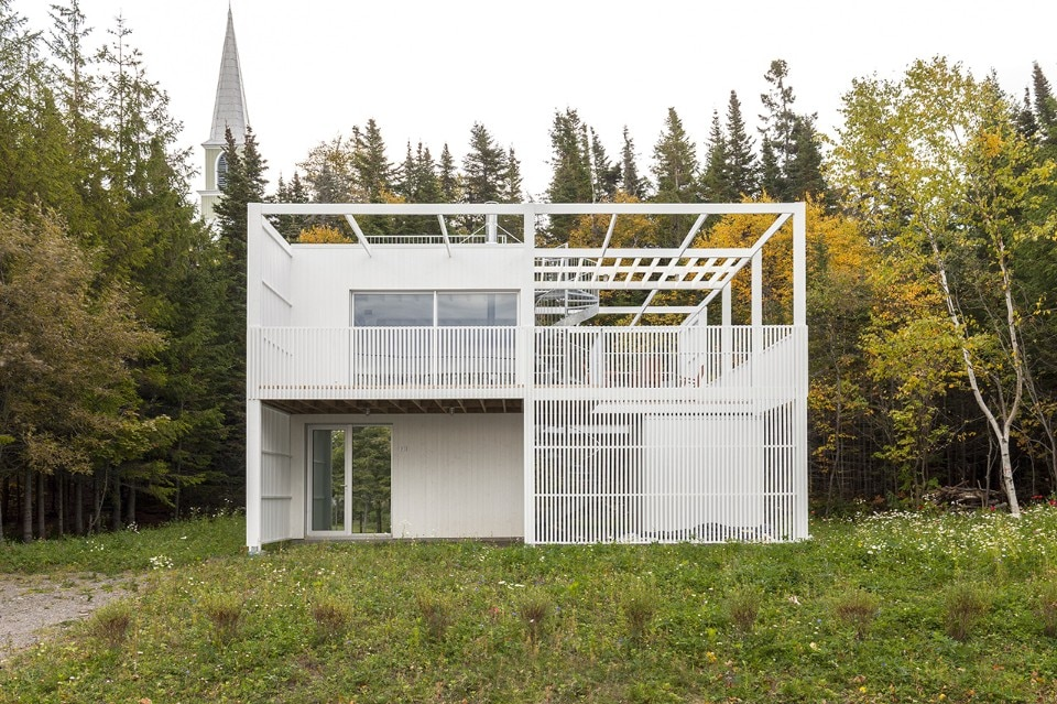 Qu bec atelier pierre thibault realizza una casa astratta for Piani casa per il fine settimana