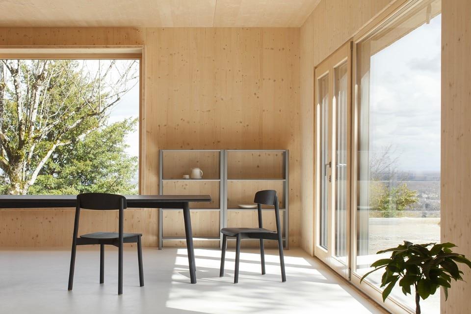 borgogna una casa di legno si scalda senza gas o elettricit domus. Black Bedroom Furniture Sets. Home Design Ideas