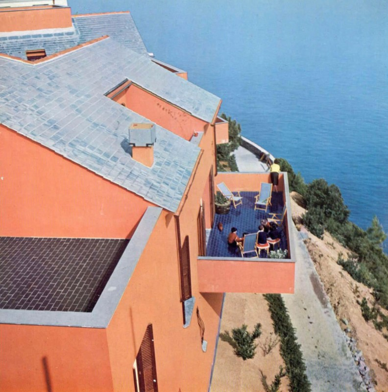 Marco Zanuso, Red Houses, Arenzano, Italy, 1960. Photo Casali-Domus
