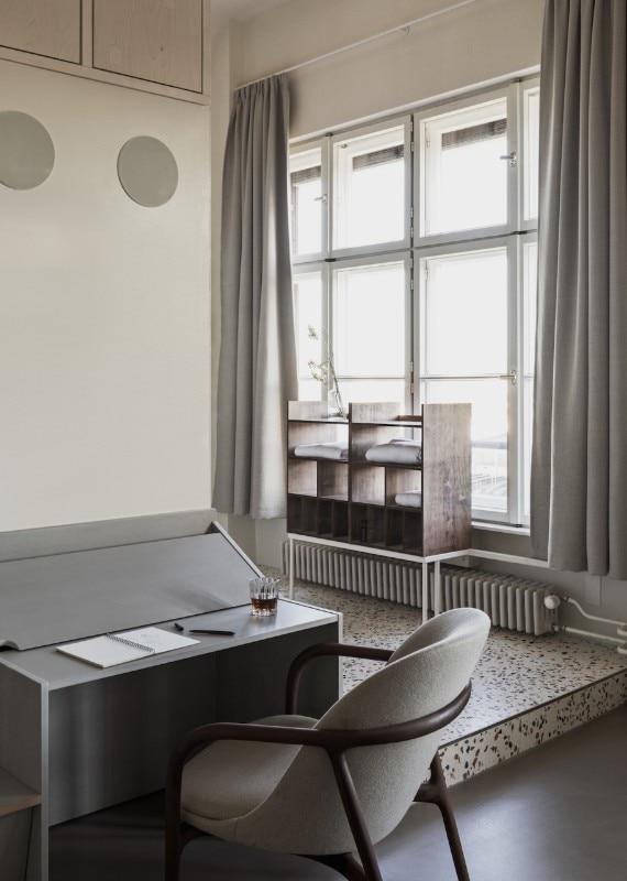 Tra turismo e vita quotidiana un hotel a berlino domus for Hotel berlino design