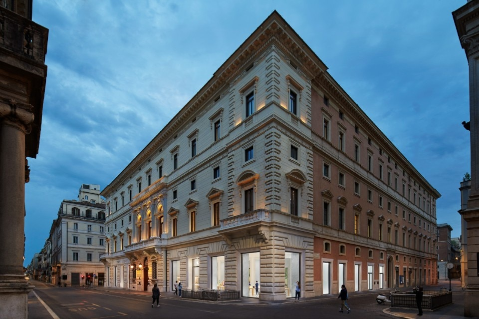 Apple Store Roma via del Corso: straordinario esempio di riqualificazione architettonica