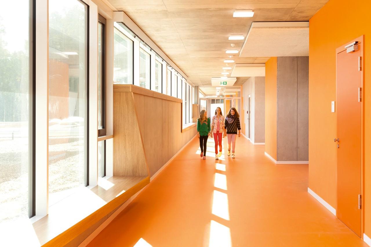 Behnisch ergolding school domus - Interior design schools in alabama ...