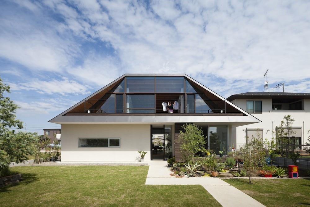 Casa con tetto a padiglione domus - Alzare il tetto di casa ...