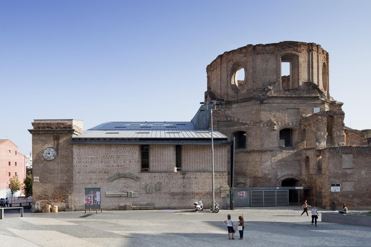 La ricerca della scala appropriata domus for Uned madrid escuelas pias