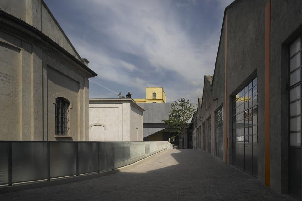 Fondazione prada a milano domus for Largo isarco 2 milano