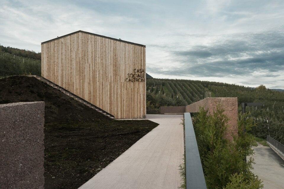 Casa sociale caltron for Mazzocchi strutture in legno