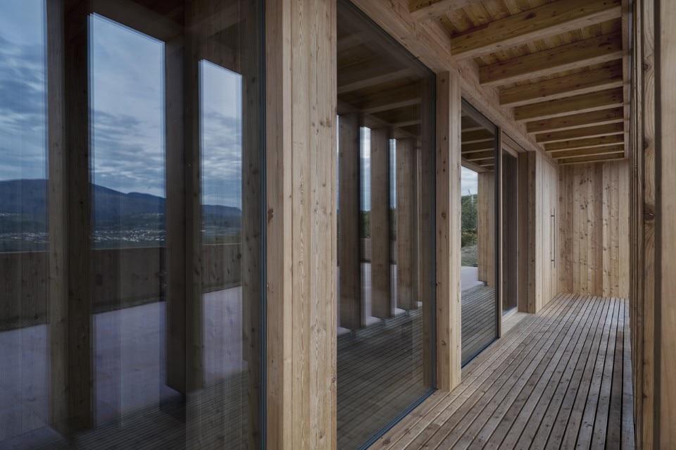 Casa sociale caltron domus for Mazzocchi strutture in legno