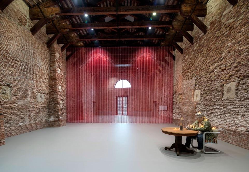 Venezia: la danza dell'autoritratto a Punta della Dogana - Domus