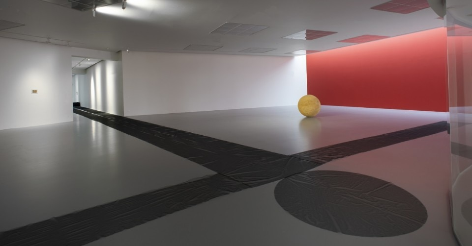 James Lee Byars, Installation view, photo M HKA clinckx