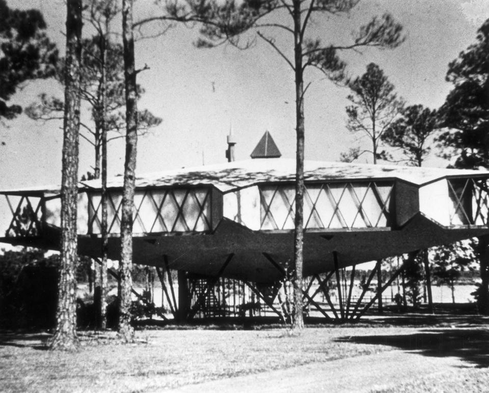In alto: Ford House, Aurora (Illinois), 1949. Sopra: Gutman House, Gulfport (Mississippi), 1958