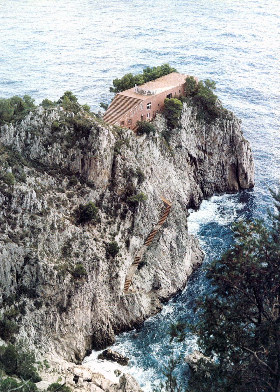 Adalberto libera e villa malaparte for Villa curzio malaparte