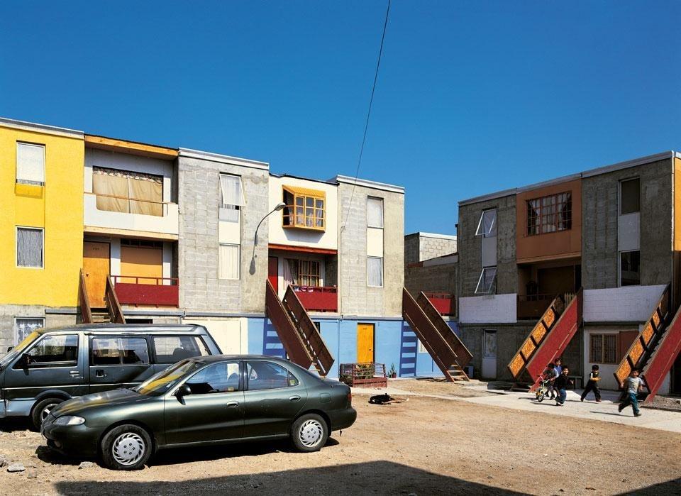 La dedizione con la quale architetti e designer sono impegnati a ottenere  anche piccoli miglioramenti delle condizioni di vita aprono nuove  prospettive non ... 9d8a499f2a57