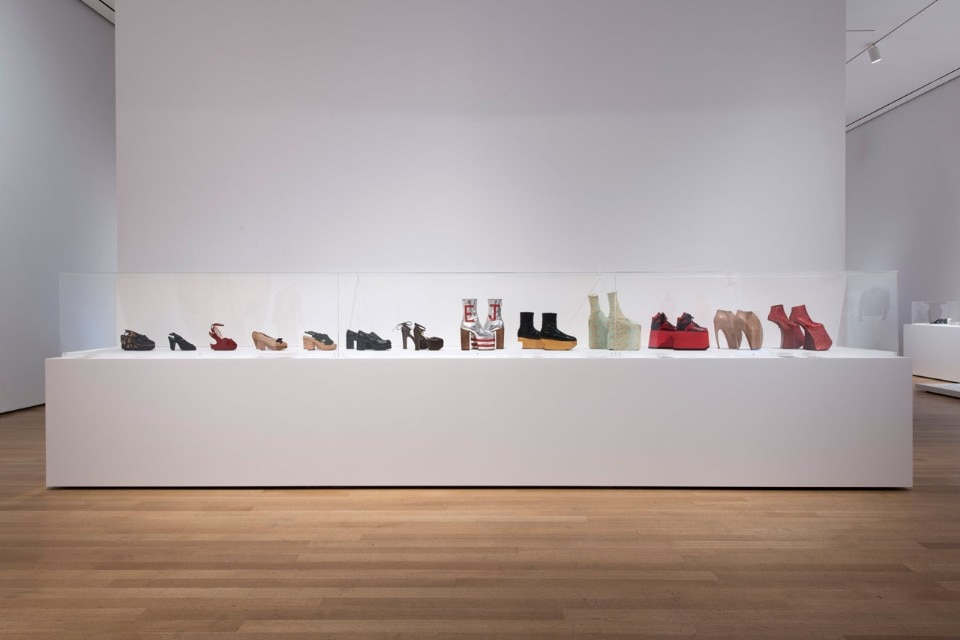 "Img.6 View of the exhibition ""Items: Is Fashion Modern?"", MoMA, New York. © 2017 The Museum of Modern Art. Photo Martin Seck"