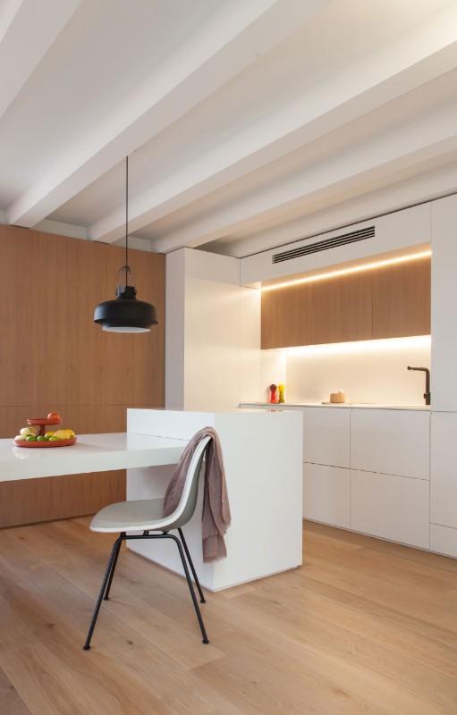 Barcelona A Warm And Versatile Mini Apartment Domus