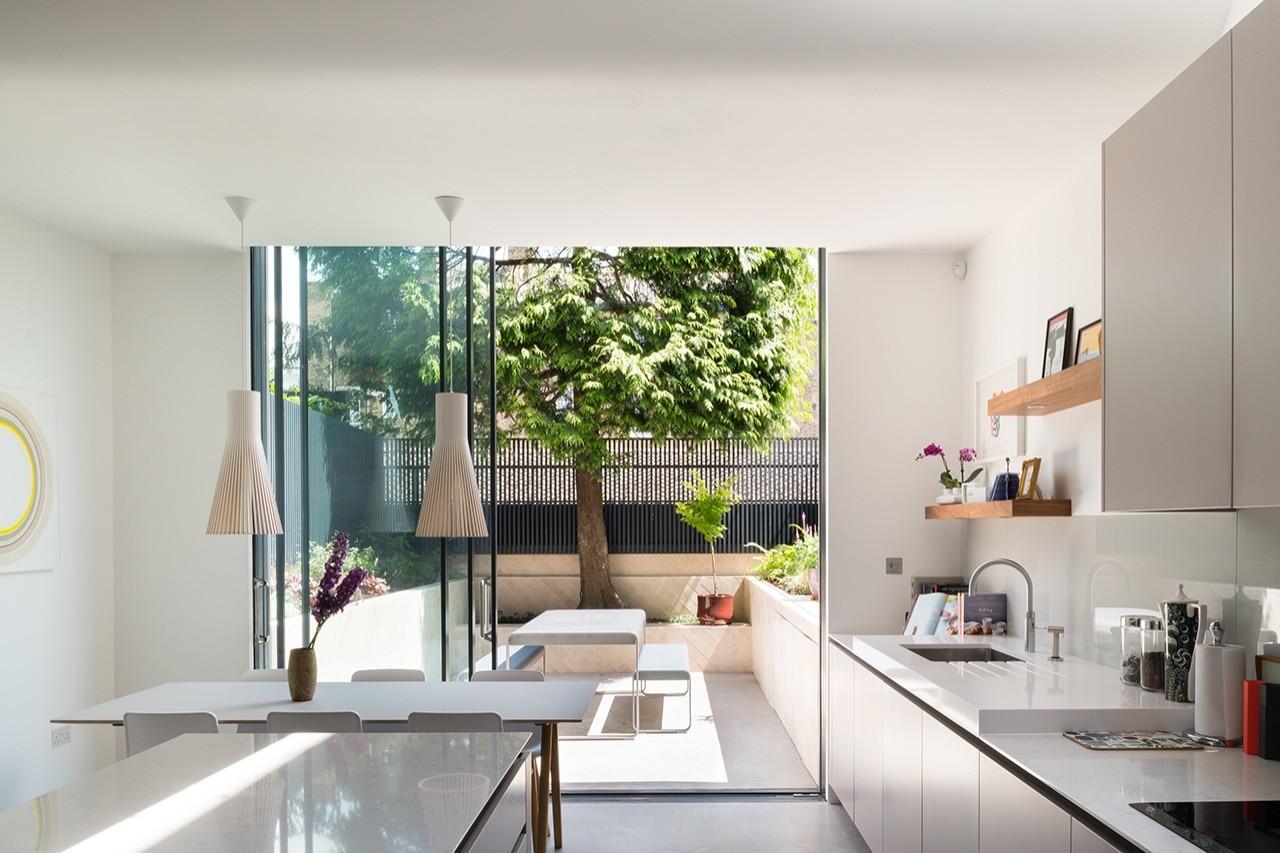 Londra una casa vittoriana ampliata in stile for Casa stile contemporaneo